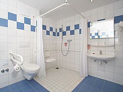 Barrierefreies Hotel Rollstuhl Usedom Ostsee behindertengerecht ...