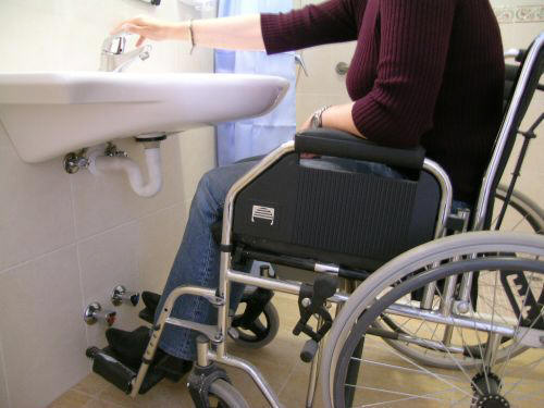 Haltegriff Dusche Behindertengerecht : ... dusche platz in der dusche ...