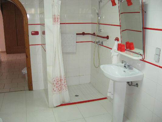Haltegriff Dusche Behindertengerecht : dusche schwelle vor der dusche haltegriff bei der dusche