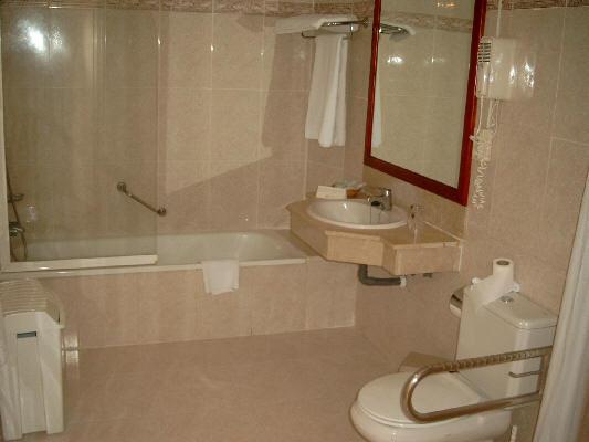 Haltegriff Dusche Behindertengerecht : Hotel Teneriffa barrierefrei behindertengerecht Playa de Las Americas